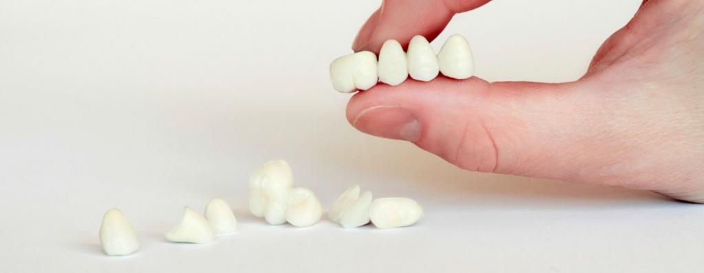 Переломы зубных протезов